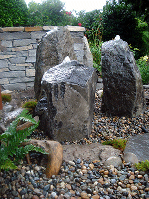 Small Water Feature - Bubbling Rocks